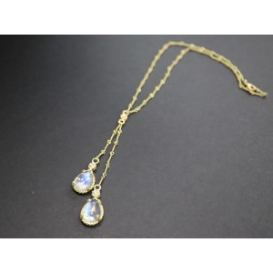 Cassis Diamond And Moonstone Lariette Necklace in 18K Yellow Gold