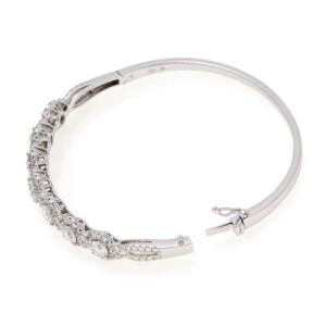 Modern 3.18ct Diamond 18k White Gold Rosette Bangle Bracelet