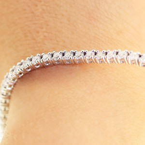 14K White Gold 4.25 Carat Diamond Tennis Bracelet
