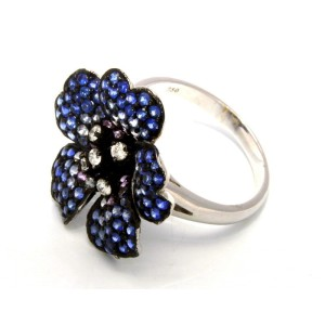 18K White Gold Diamond Sapphire Flower Cocktail Ring