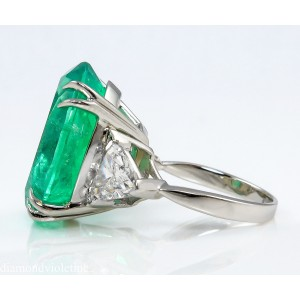 Platinum Colombian Oval Green Emerald Diamond 3 Stone Ring