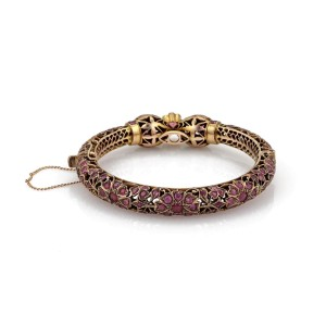 Vintage 6 Carats Ruby 9k Rose Gold Filigree Double Head Snake Bangle
