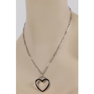 Tiffany & Co. 18K White Gold Chain Link Medium Open Heart Pendant  Necklace