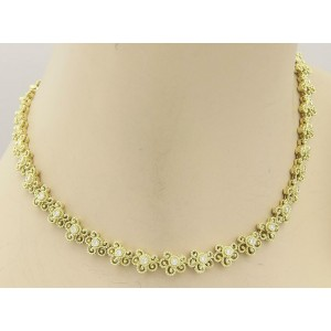 Beautiful 18k Yellow Gold & Diamond Floral Etruscan Design Necklace