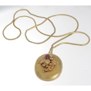 Victorian 14K Yellow Gold & Natural Ruby & Diamond Locket Pendent Necklace