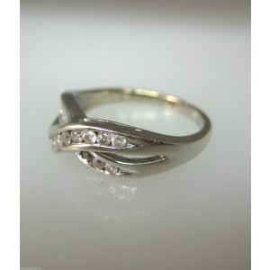 10K WHITE GOLD DIAMONDS LADIES RING SIZE 4.75