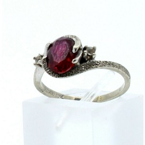 10k White Gold Oval Red Stone & CZ Ladies Ring Size 5.75