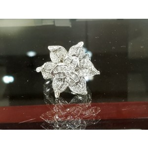Fine Estate 18k White Gold Flower Diamonds app. 2.25ct Ladies Ring Size 8.5