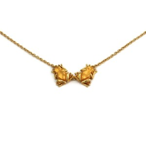 65041 Carrera y Carrera 18k Yellow Gold 2 Frogs Pendant & Chain
