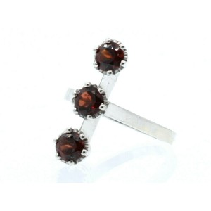 14k White Gold 3 Round Garnet Ladies Ring Size 7.5