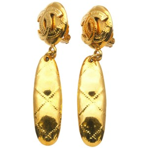 Authentic CHANEL Coco Mark Matelasse Vintage Swing Earrings Gold 94P Used F/S