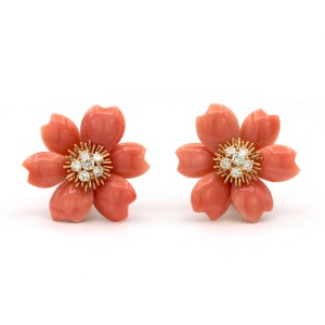 Van Cleef & Arpels Rose De Noël Earrings 18k Yellow Gold Coral Diamond