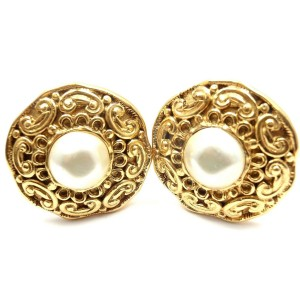 Chanel French Couture Collection Gold Tone Mother of Pearl Clip On Earrings