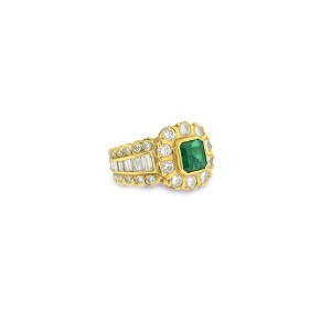 Emerald And 1.80 Ct Diamonds Solid 18k Yellow Gold Ring