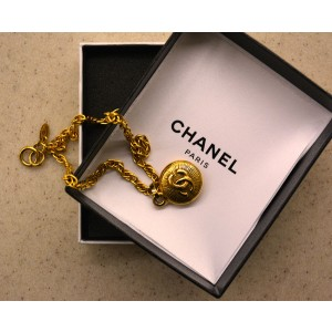 Chanel Costume Yellow Cc Medallion With Classic Chain Necklace