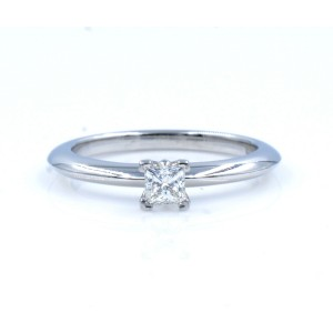 Tiffany & Co. Platinum with 0.1ct Solitare Diamond Engagement Ring Size 4.5