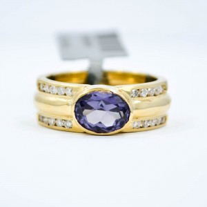 Oval Alexandrite 14K Yellow Gold 0.28CT Diamonds Women's Ring