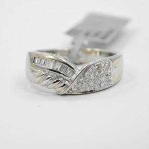 18K White Gold Baguette & Round Pave Diamond Ring
