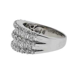 14K White Gold & Diamond Ladies Ring