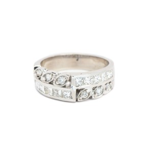 14K White Gold Round & Princess Shape Diamond Ring
