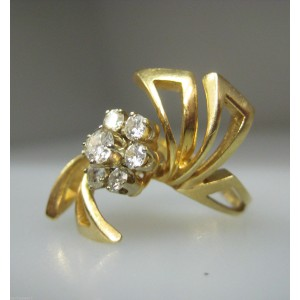 14K Yellow Gold Ladies Free Form Diamonds Flower Ring