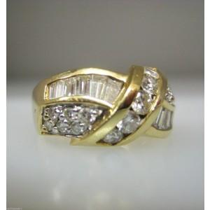 14K Yellow Gold Ladies Baguettes Diamonds Ring