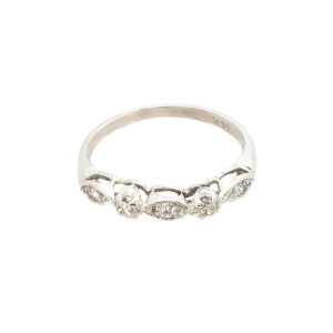 White Womens Ring Size 7