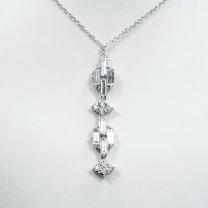 Baguette Diamonds Pendant 2Ct in total 18K White Gold