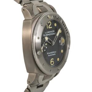 Panerai Luminor Submersible PAM104 44mm Mens Watch