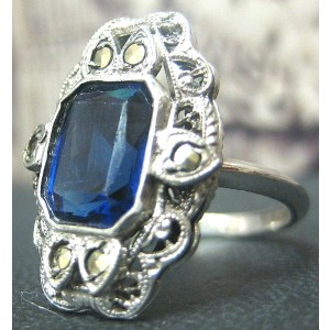 .925 STERLING SILVER LADIES BLUE STONE RING SIZE 7