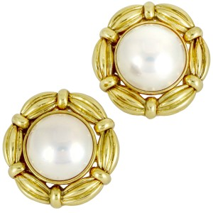 Tiffany & Co. Mabe Pearl Vintage Clip On Earrings in 18k Yellow Gold