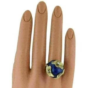 ESTATE 18K YELLOW GOLD DIAMOND FLORAL DOME RING WITH BLUE ENAMEL