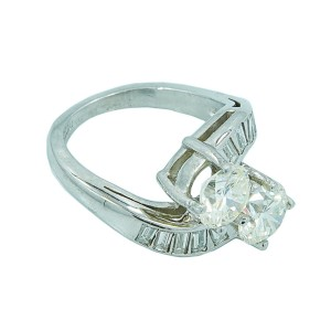 Platinum Diamond Womens Ring Size 3.5