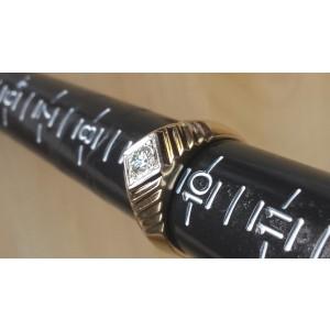 14K Yellow Gold Diamond Ring Size 9.5