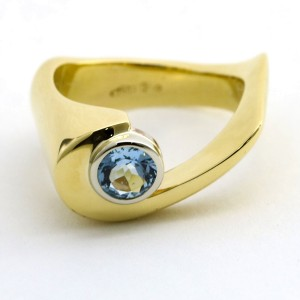 Free-Form Aquamarine Wave Fashion Statement Ring in 18k Yellow Gold Signed