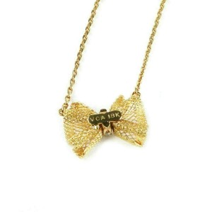 Van Cleef & Arpels Diamond 18k Yellow Gold Mesh Ribbon Bow Pendant