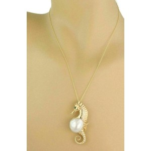Diamond Emerald Pearl 18k Yellow Gold Seahorse Brooch/Pendant & Chain