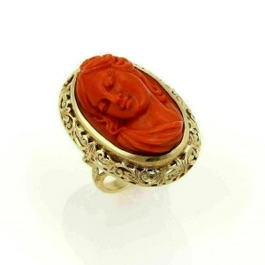 Estate Vintage 18k yellow Gold & Deep Carved Coral Cameo Woman Oval Ring