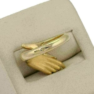 Carrera y Carrera Diamonds Dice in Hand 18k Yellow Gold 3D Ring