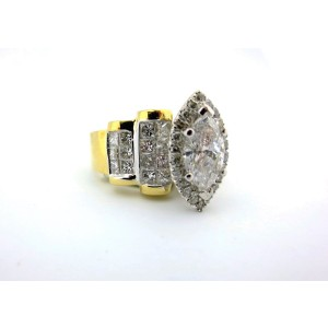 18k Yellow Gold Natural Marquise Cut 2.84Ct Diamond Engagement Ring