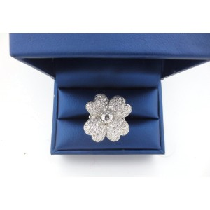 18k White Gold Round 2.63Ct Cut Diamond Flower Anniversary Ring
