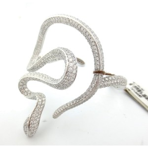 18K White Gold 14.34 Ct Diamond Snake Cluster Bracelet