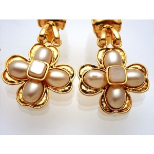 Chanel CC Gold Tone Simulated Glass Pearl Vintage Earrings