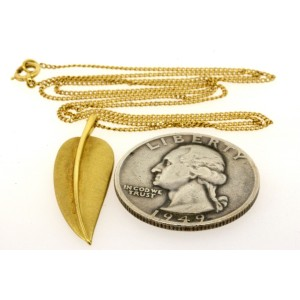 Tiffany & Co. Pendant 18k Feather Leaf Cummings Drop Leaves Yellow Gold