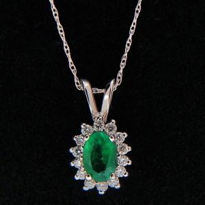 Vintage .52ct Bright Green Oval Emerald 0.16ct Diamond 14k White Gold Pendant
