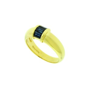 Tiffany & Co blue sapphire Ring In 18k yellow Gold Size 5.25