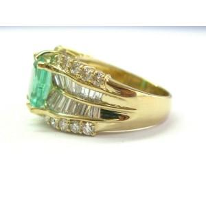 18Kt Colombian Green Emerald & Multi Shape Diamond Yellow Gold Ring 3.92Ct