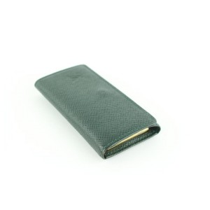 Louis Vuitton Green Taiga Multi Cles 4 Key Holder Case 2lz1211 Wallet