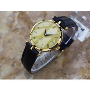Gucci Gold Plated Quartz 30mm Unisex Watch Year 2000