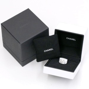 Chanel 18K White Gold and Ceramic and Diamond Comete Ring Size 4